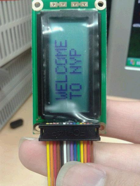 I program  DS1302 & AT89C51 C code but LCD display 85 : 85 : 85,what is wrong???-ori-jpg